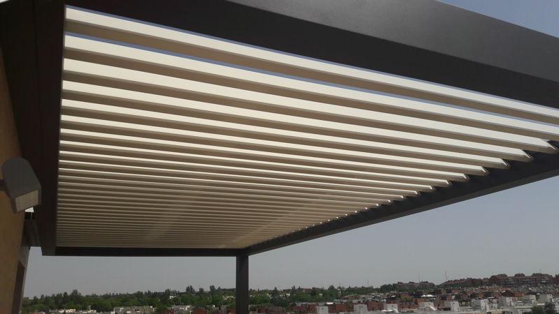 Instalación de pérgolas bioclimáticas de aluminio en Madrid