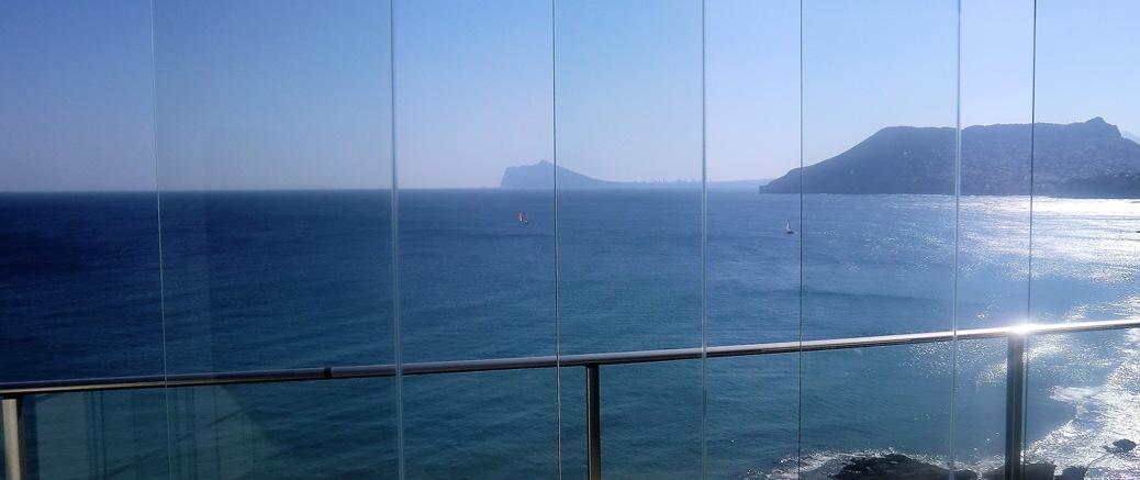Instalar cortinas de cristal en Madrid -Walux